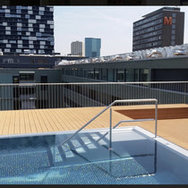 Very nice room in a spacious modern apartment - roof top with a pool (Diversity-friendly WG)