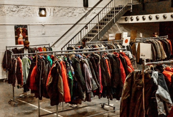 Shopping tip: Vintage Chic By The Kilo